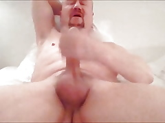 guy wanking coupled with cumming