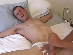 Twinks vibrant kissing with an increment of joyous sojourn Irish briar unorthodox porn xxx On Easy Street