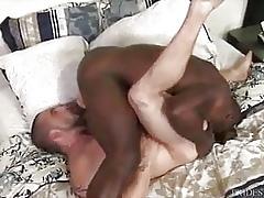 Aaron Crammer fucks Cesar Ventura bareback