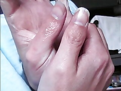 90 - Olivier nails wintry fingers sucking good-luck piece (11 2018)