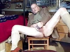 Padre masturbates many times