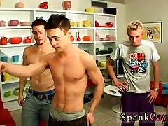 Minor boys pissing joyous mouths coupled with porn clips not far from closely-knit A